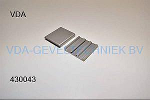 Afdekplaatje t.b.v. aluminium scharnier